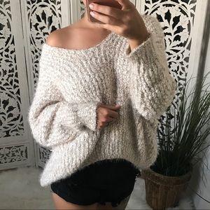 Sweaters - 🌹HOST PICK🌹DANA Fuzzy Scoop Back Sweater